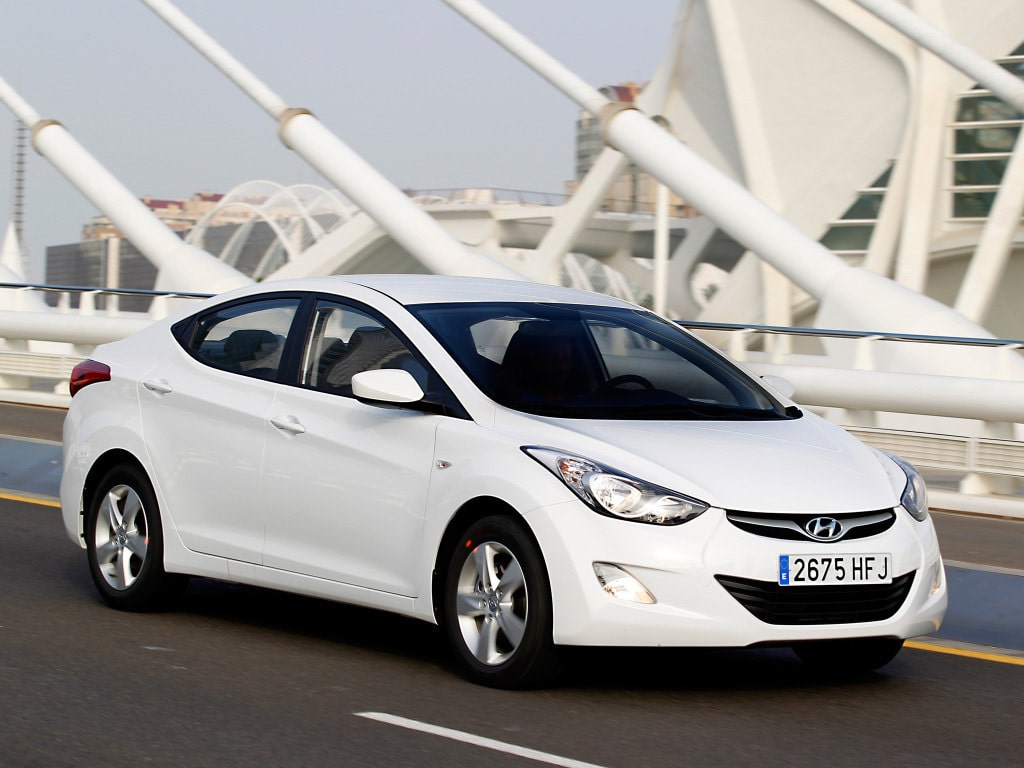 Car rental Hyundai Elantra 1.8 in Batumi