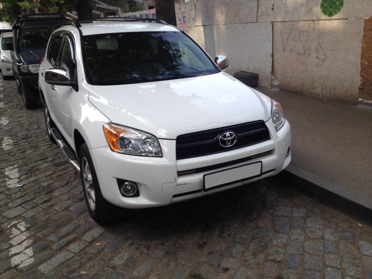 Аренда авто Toyota RAV4 2.5
