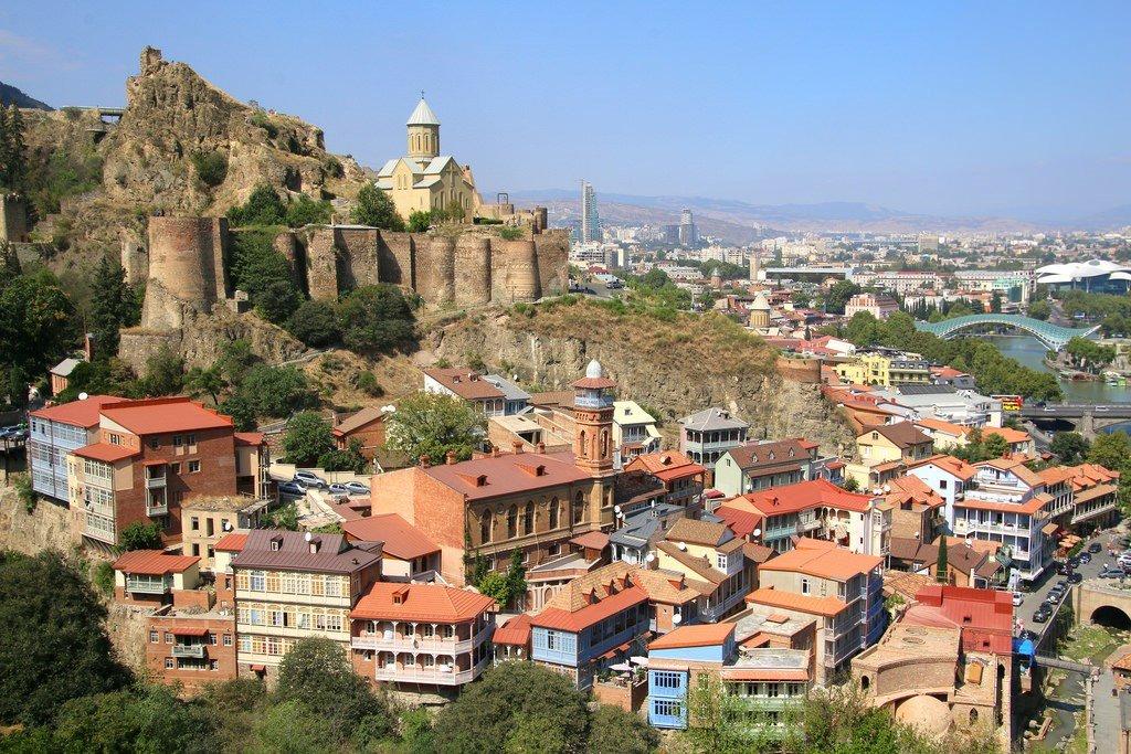 услуги по аренде автомобилей в Батуми и Тбилиси