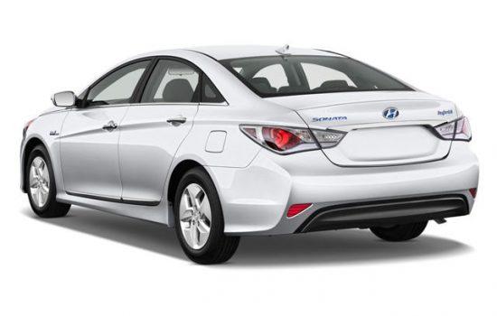 Аренда авто Hyundai Sonata Hybrid 2.4 в Батуми
